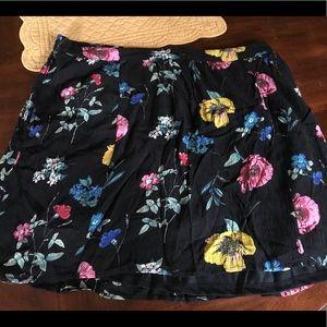 Plus size women's skirt 1x like new